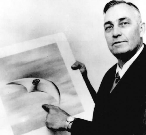 Kenneth Arnold's Flying Saucer