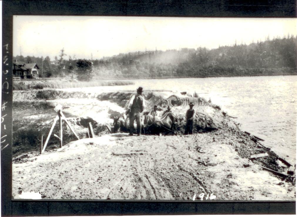Cofferdam in Portage Bay