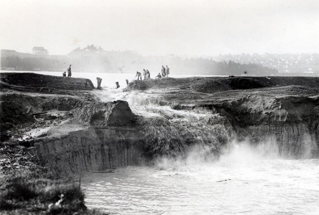 Breaching the Cofferdam, photographer is looking west toward Lake Union
